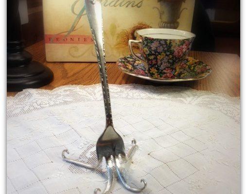 DIY Fork Easel