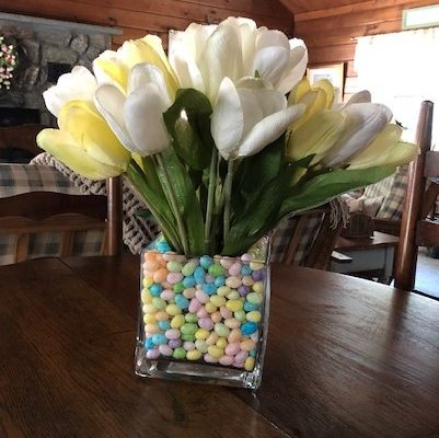 Easy Jelly Bean and Tulip Centerpiece